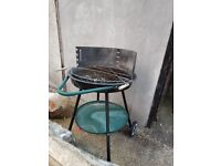 Barbecue portable with wheels