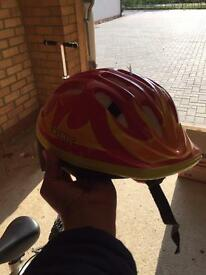 Kids bike with helmet and protection