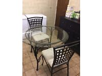 Round Glass Dining Tabel