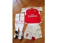 Genuine Arsenal kit age 7-8 - amazing condition