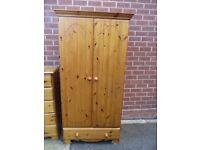 Warderobe, Solid Harvest Pine wardrobe with bottom Drawer,, VGC,,