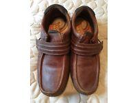 Mens size 9 shoes
