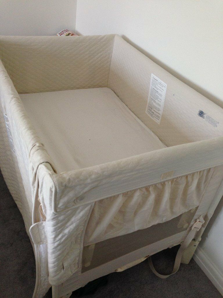 Arms Reach Co Sleeper Bassinet/Large bedside cot/Twins/playpen/
