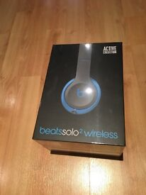 Beats Solo 2 Wireless Headphones- Special Edition- FLASH BLUE- Brand New