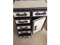 Chest of Drawers (vintage look)