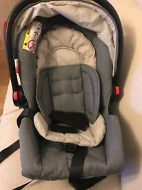 Baby car seat almost new