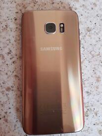 Samsung 7 edge unlocked , in gold