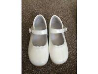 2 pairs of white patent shoes, pretty originals and andanines size 25