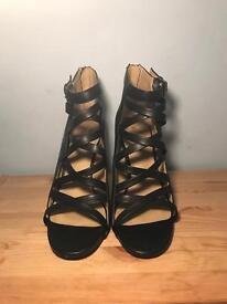 Nine West zip up heels