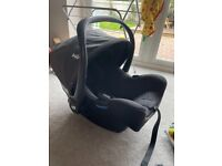 Joie Isnug Car seat and Isofix Base infant carrier