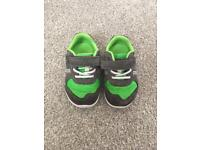 Clark's toddler trainers