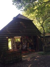 Garage / workshop with room / office above for rent