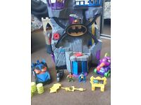 Imaginext batcave with extras