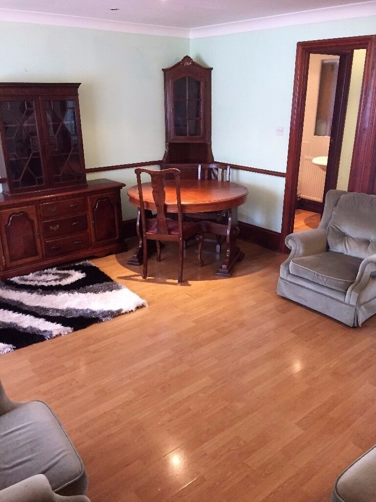 PROPERTY HUNTERS ARE PLEASED TO OFFER A 1 BED FLAT FOR £1000PCM ALL BILLS INCLUDED IN PLAISTOW !!
