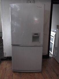 SAMSUNG FRIDGE FREEZER WITH WATER DISPENSER + FREE BH ONLY POSTCODES DELIVERY+FREE 3MTH GUARANTEE
