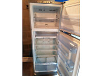 Fridge Freezer Indesit Frost Free - Large Capacity - Excellent Condition