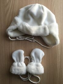 Baby winter hats and mittens (6-12months)