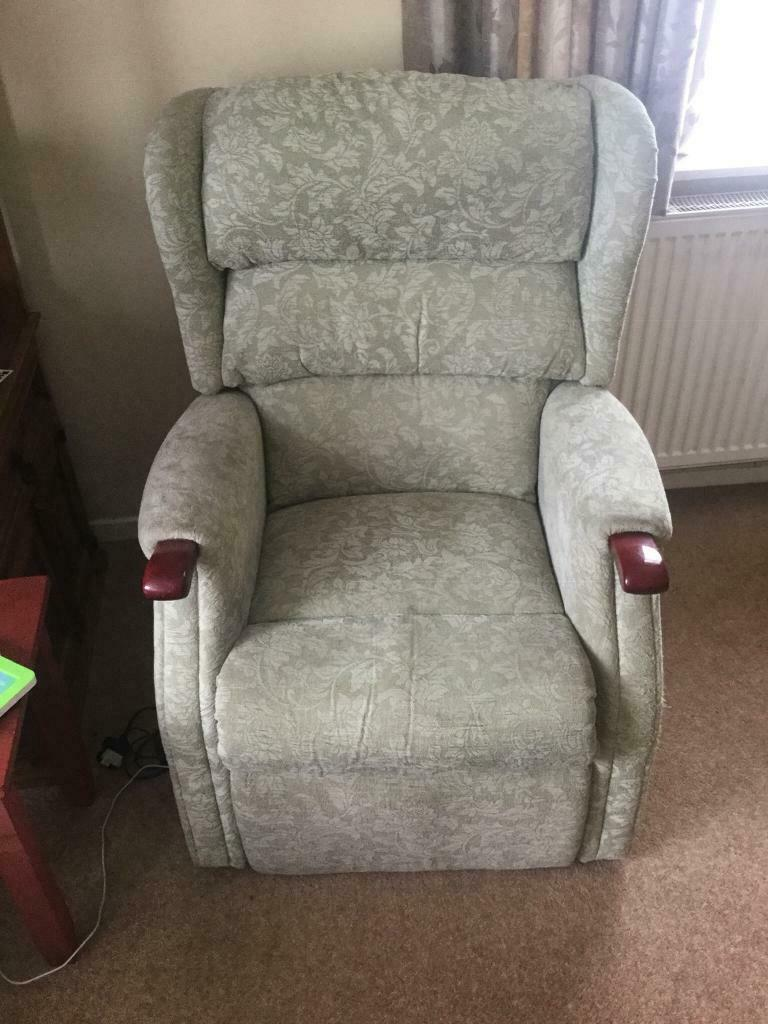 Fantastic Riser And Recliner Electric Chair In Eastbourne East Sussex Gumtree Short Links Chair Design For Home Short Linksinfo