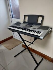 YAMAHA - PSR - E403 - KEYBOARD (EXCELLENT USED CONDITION)