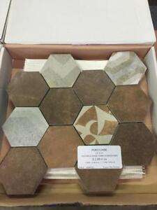 TUILES DE CERAMIQUE --- CERAMIC TILES