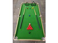 Snooker / Pool table : 4.5 Foot.
