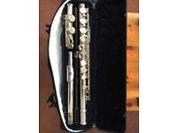 Flute - Kurioshi Vivace BFKV-E outfit. Student model flute. Good condition.