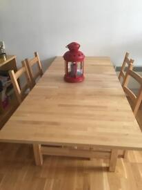 Wooden dinning extendable table