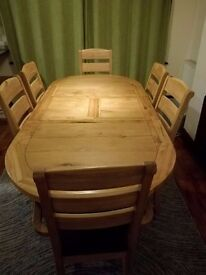 Harveys' Carringham Oval Extending Dining Table & 6 Chairs
