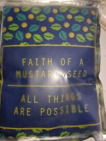 Cushion cover with quote NEW
