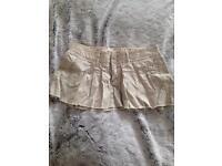 Hollister girls skirt size 1 (fit size 8)
