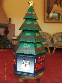 CHRISTMAS TREE MADE IN WOOD WITH 24 DRAWERS