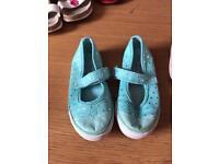 Size 7 shoes & boots