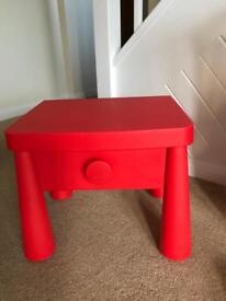 Toddler bedside table