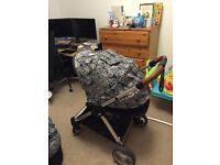 Mamas and Papas Armadillo Flip XT CarryCot & Seat Unit Pram/Buggy