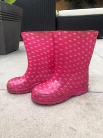 Kids pink wellies size 6
