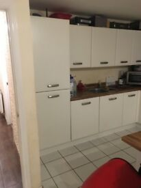 Fitted kitchen and intergrated appliances