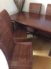 Dinning room table - reduce to clear