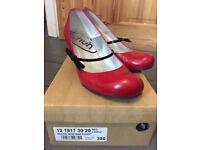 Cute red kitten heel shoes size 5