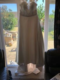WED2B DESTIN DRESS SIZE 20, LACE AND SATIN IVORY AND OYSTER