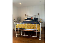 Luxurious and beautiful king size bedstead in mint condition