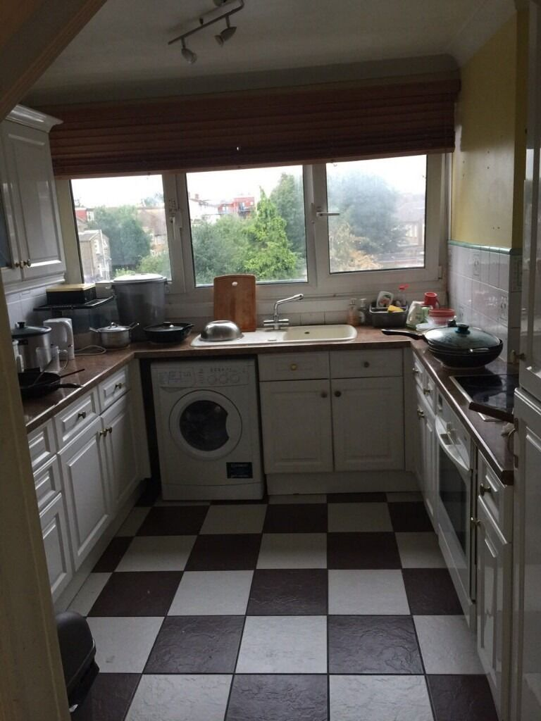 single bedroom in a shared family house-100 pw inclusive bills