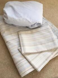 Double fitted sheet, duvet cover and 2 pillowcases