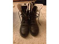 Brown leather dr Martin boots Uk 6
