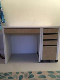Ikea Desk- comes with Drawers