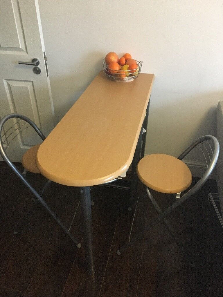 Breakfast Lunch Dinner Bar Table and 2 Chairs Dining Set