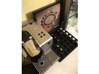 Nespresso Lattissima EN520 coffee machine with Nespresso discovery box