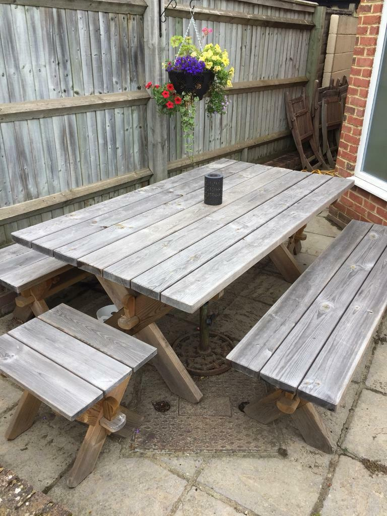 Solid wood garden furniture seats 8 | in Woodley ...