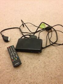 Polaroid set top box single scarf with leads and remote