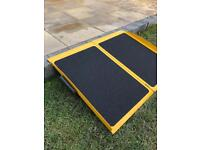 2 FT SUITCASE RAMP DESIGNED FOR 1 STEP