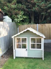 Good Quality Dog House - £50